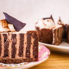 チョコレートケーキ 380円+税